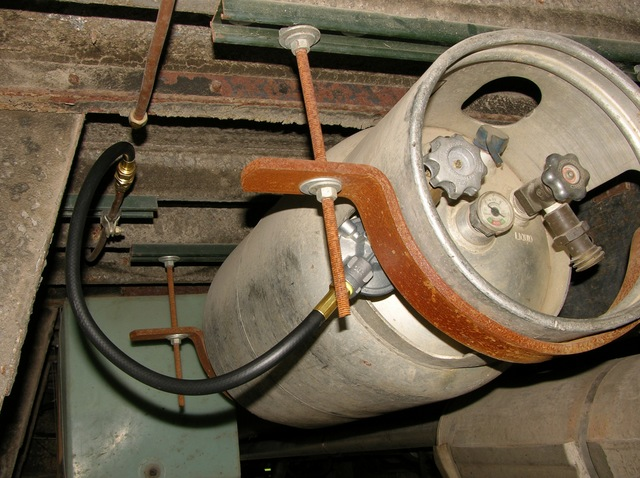 Bus propane tank with new regulator, hose, and fittings