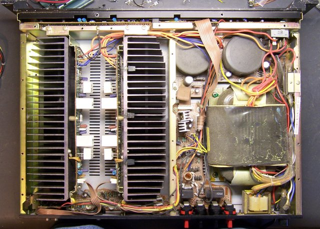 SAE A202 amplifier, interior