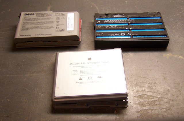 PowerBook battery with two donors