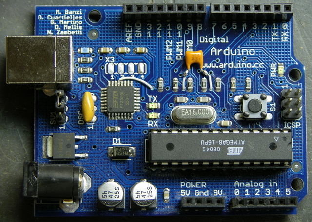 Arduino USB hacked for auto-reset, top side