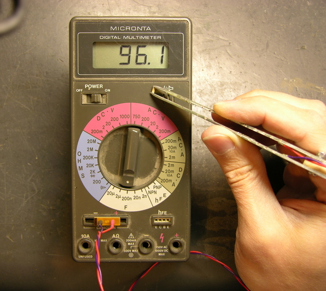 SMT probe tweezers in use