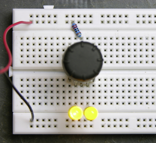 Rotary encoder, two LEDs on