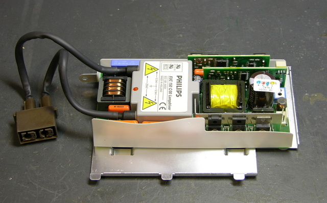 Projector lamp power supply