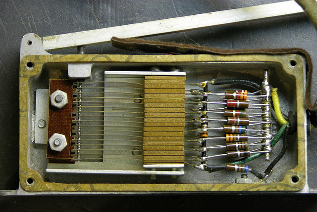 Baldwin Model 5 organ swell pedal, electronics mechanism