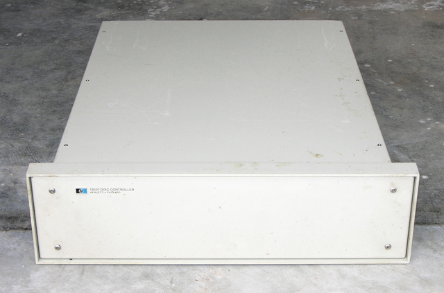 HP 13037 disc controller, front
