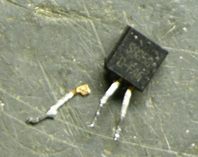 Transistor with detached leg