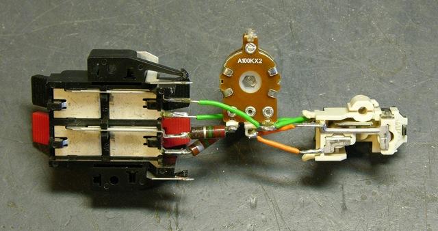 Speaker to preamp adapter, bottom