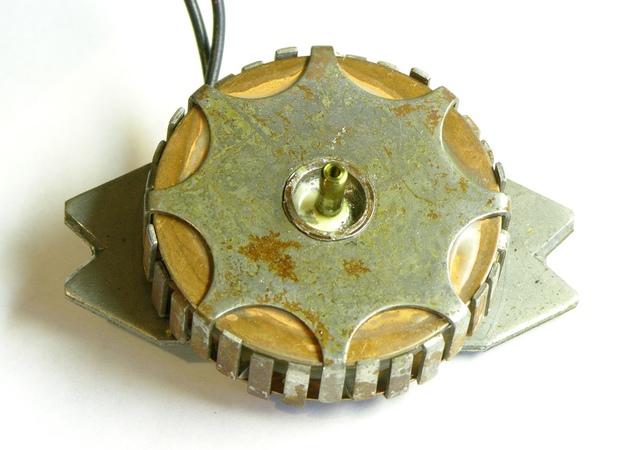 Stator from metronome AC motor