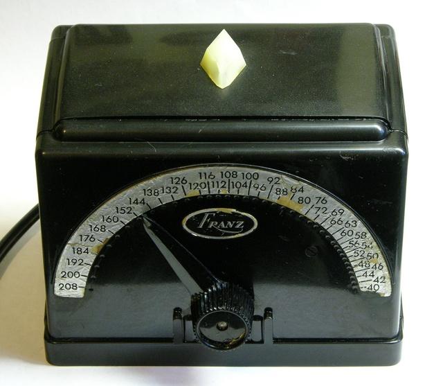 Vintage electromechanical metronome