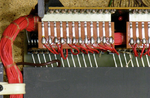Crumar T2 organ, looking down on keyboard bus connection