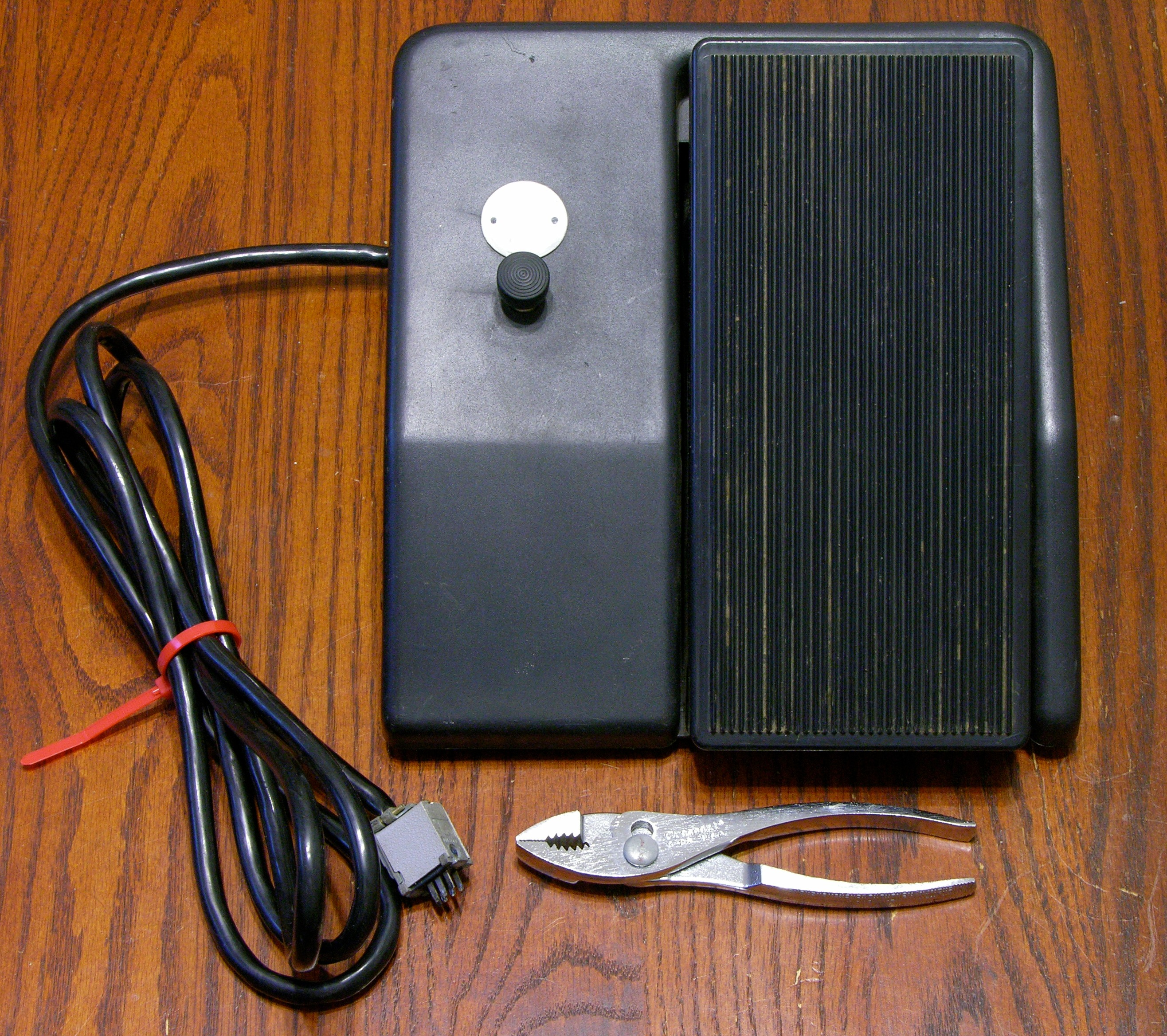 Buying And Assessing A Crumar T2 Organ Keiths Electronics Blog Keyboard Sustain Pedal Wiring Diagram Swell