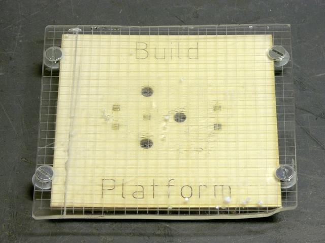 MakerBot CupCake build platform with plexiglas build surface