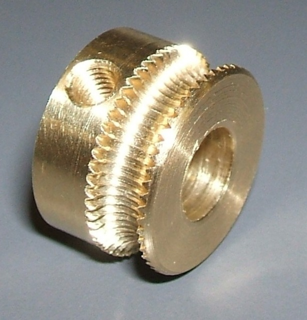 Brass pulley with threaded groove