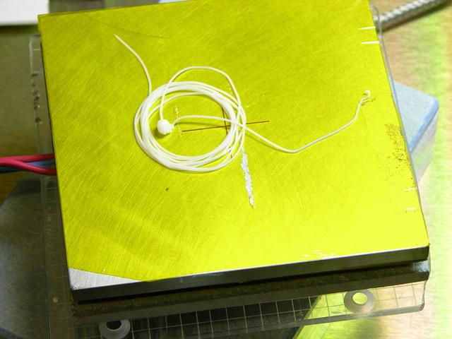 Testing Glastherm insulation on glass standoffs under MakerBot CupCake heated build platform