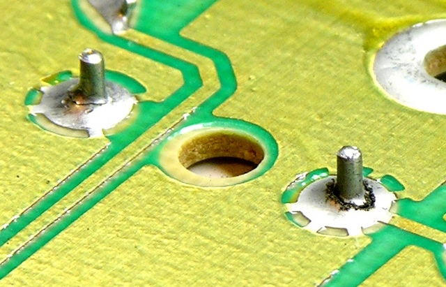 Broken solder joints on Ford Mach 460 bass amplifier
