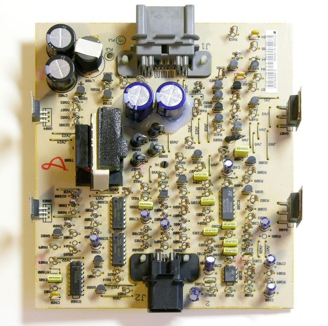 Ford Mach 460 bass amplifier circuit board