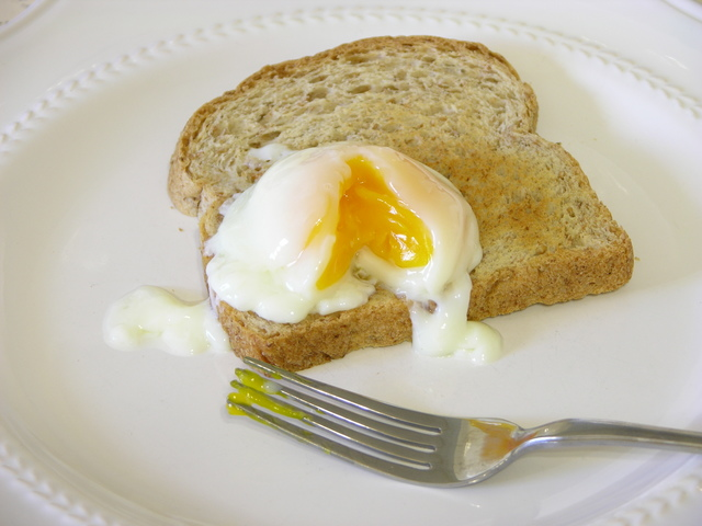 Toast and egg cooked at 64C for 75 minutes