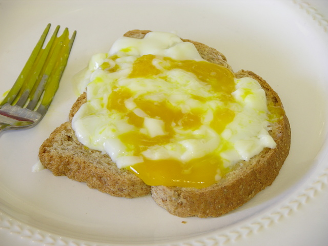 Toast spread with egg cooked at 64C for 90 minutes