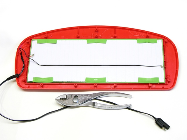 Harbor Freight solar charger model 44768, interior
