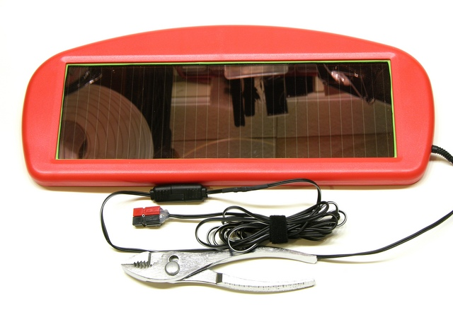 Harbor Freight solar charger model 44768, modified