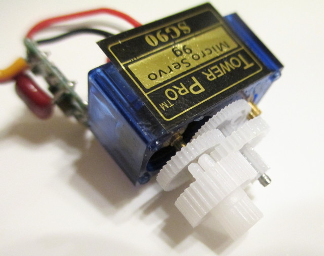 Tower SG90 Servo gearbox with cap removed