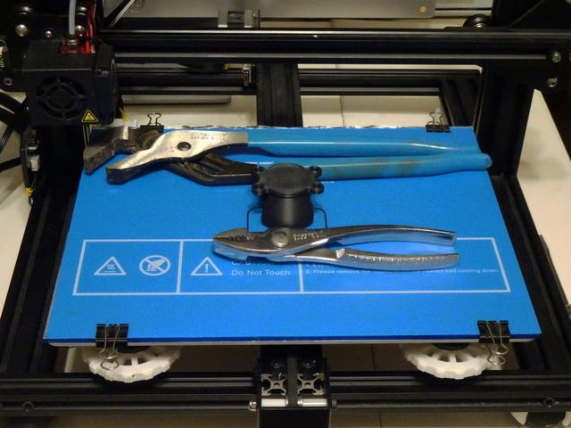 Creality CR-10 Mini 3D printer with print