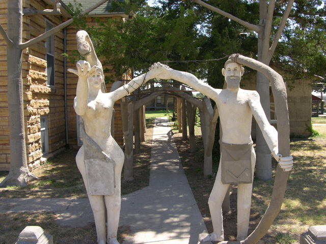 Garden of Eden, Lucas, KS: Eve, snake, apple, and Adam