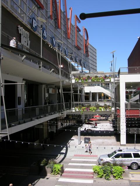Denver Pavilions mall
