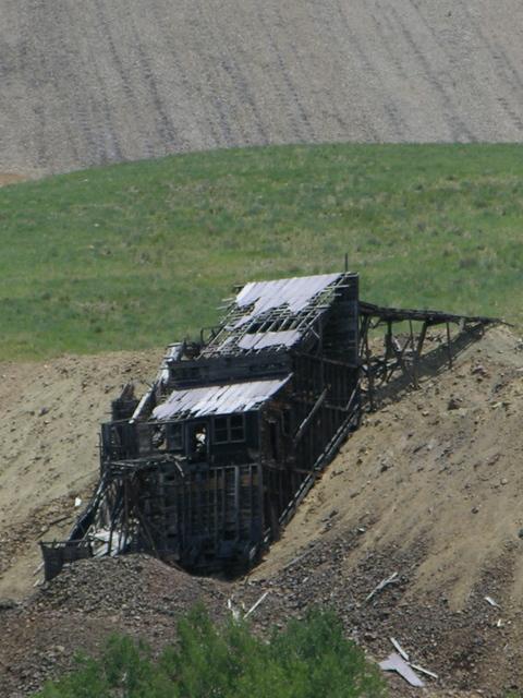Anaconda, Colorado: collapsed mining building